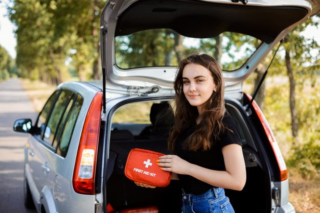 How to Put Together a First Aid Kit for Your Car 16